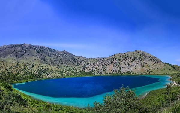 озеро Курнас на острове Крит