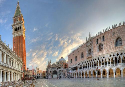 общий вид на площадь Сан-Марко - достопримечательности Венеции