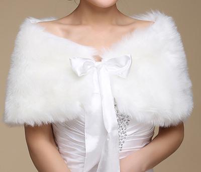меховая накидка для невесты, свадьба осенью