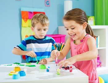 как научить ребенка играть самостоятельно в игрушки