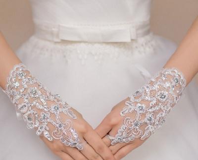 свадебные перчатки со стразами для невесты