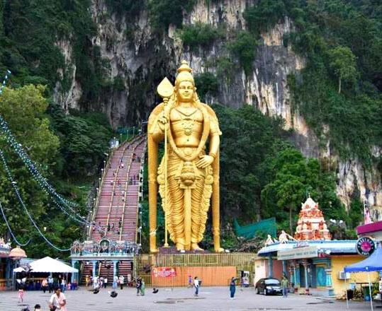 пещеры Batu Caves в Куала-Лумпур