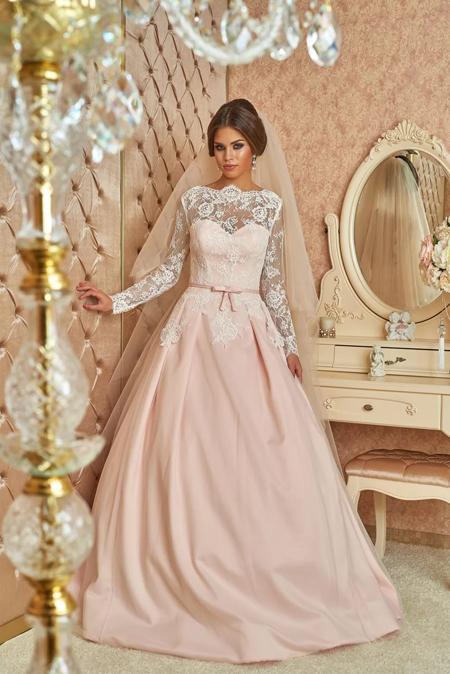 кружевное свадебное платье розового цвета