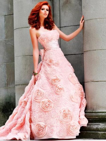 платье невесты розового цвета