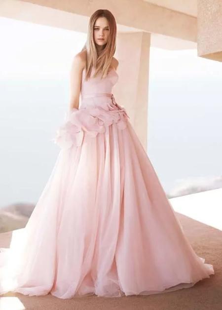 розовое свадебное платье а силуэта