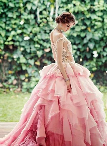розовое свадебное платье силуэта принцесса