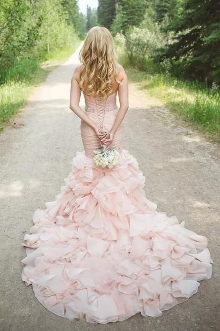 розовое свадебное платье силуэта русалка
