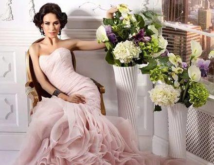 свадебное платье розового цвета силуэта русалка