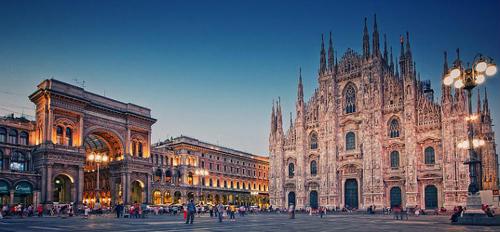 Соборная площадь в Милане
