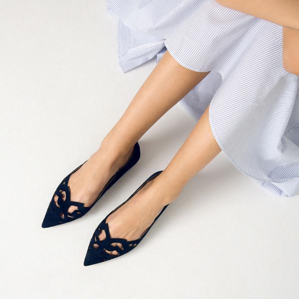 самая модная обувь лето 2018 - балетки с острым мысом и декором