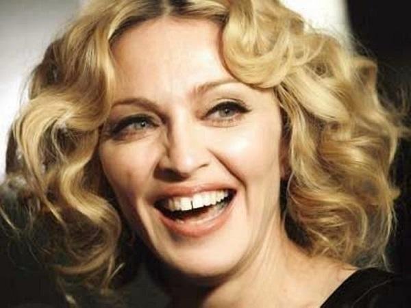 знаменитости с неидеальной улыбкой - мадонна