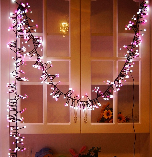 новгодняя гирлянда в декоре интерьера к новому году - фото идеи