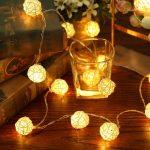 Новогодние гирлянды в интерьере — 5 интересных идей декора