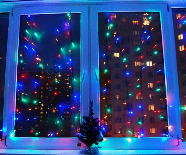 светодиодные гирлянды в новогоднем интерьере, фото идеи, декор интерьера