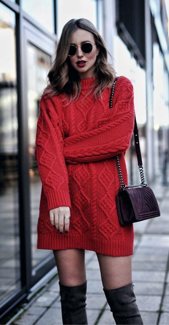 стильное вязаное зимнее платье