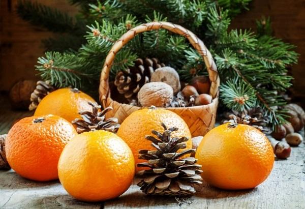 апельсины на праздничном столе, сервировка новогоднего стода 2019