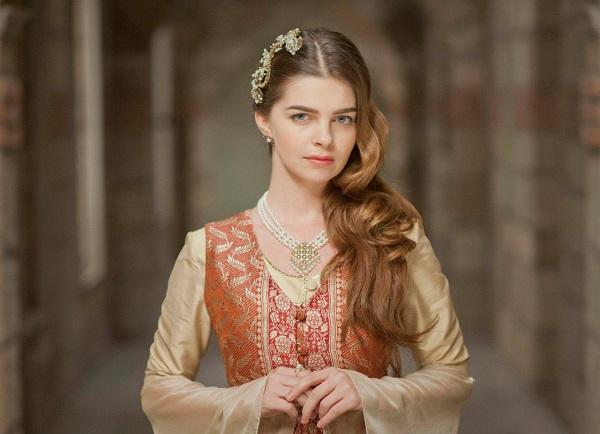 наряды и драгоценности михримах султан - великолепный век