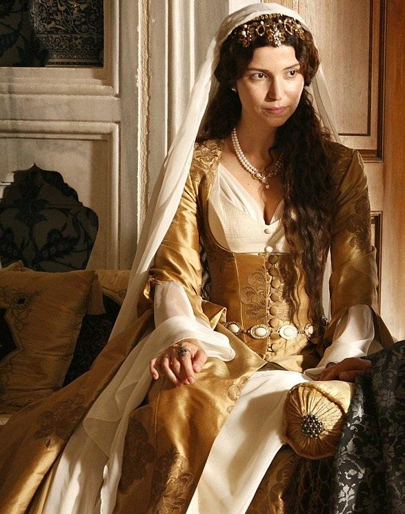 платья и драгоценности хатидже - великолепный век