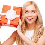 Удивляем подругу: подарки на 8 марта