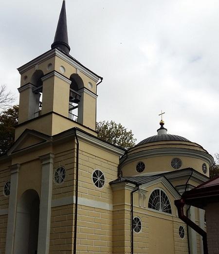 церковь Спаса Преображения на территории усадьбы Спасское Лутовиново