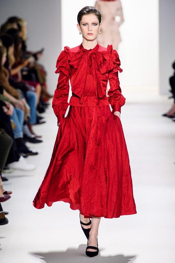 красное нарядное платье из коллекции Brock Collection