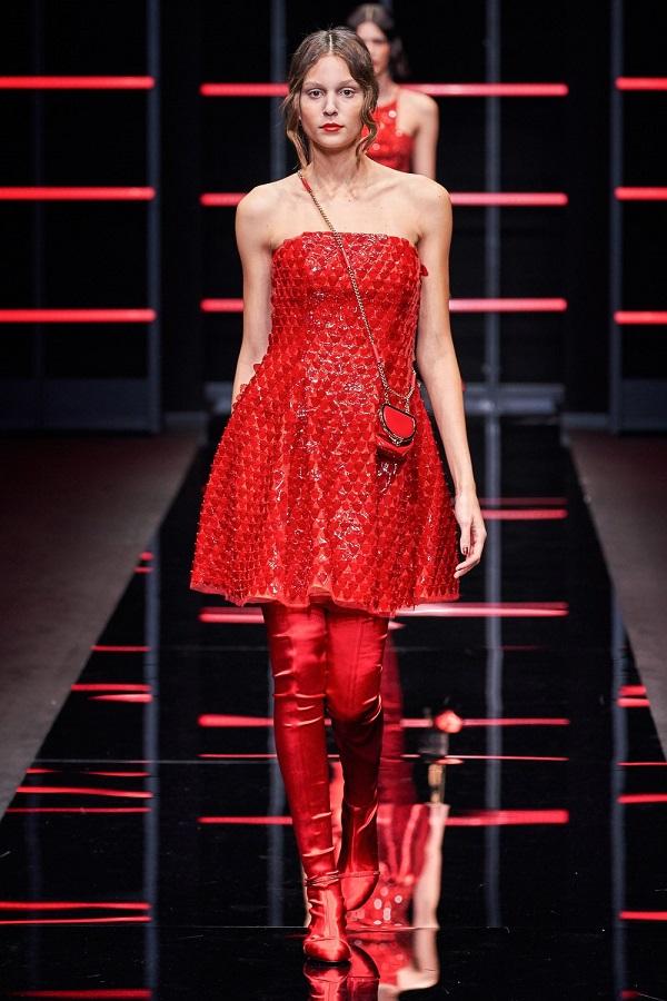 платье из модной коллекции Emporio Armani