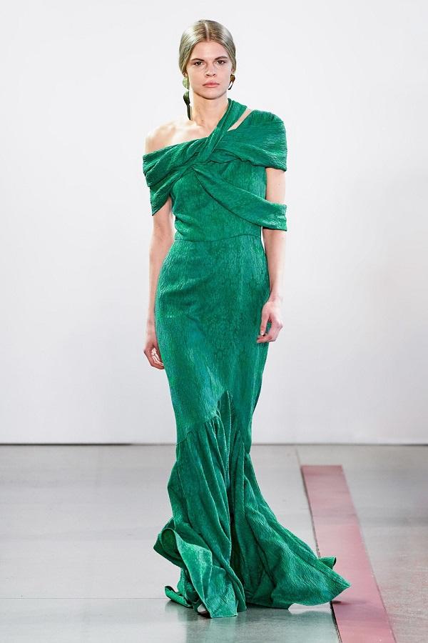 платье из модной коллекции Hellesy