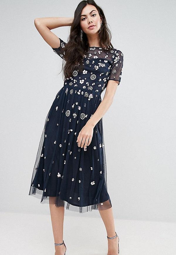 платье с юбкой А силуэта на корпоратив на новый год 2020