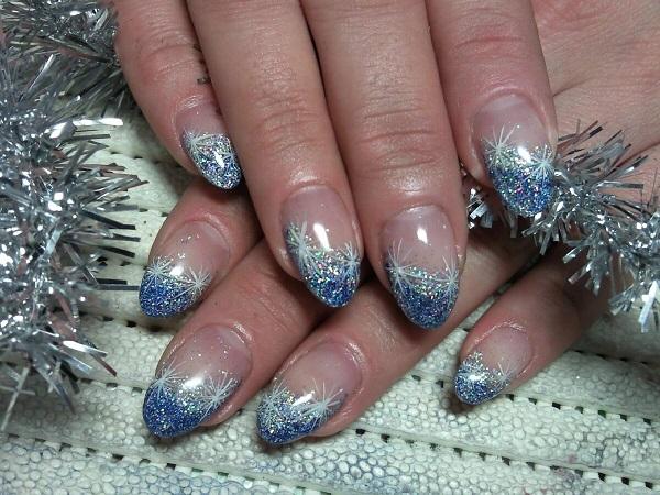 новогодний маникюр голубой с серебристым