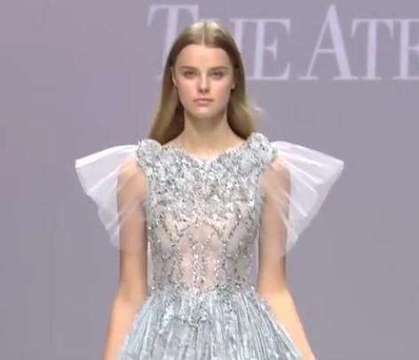 рукава крылышки на свадебном платье - свадебная мода 2020