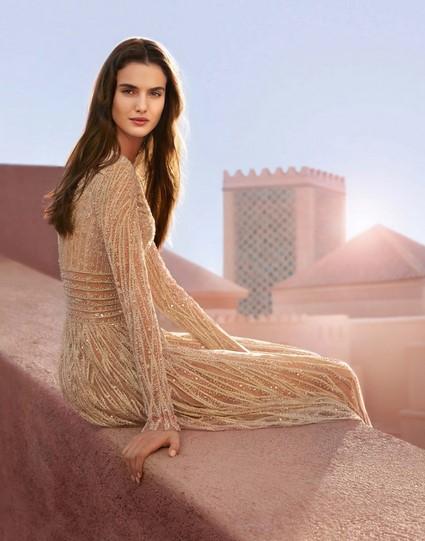 Elie Saab Le Parfum Essentiel - описание, ноты, дизайн флакона, рекламный ролик