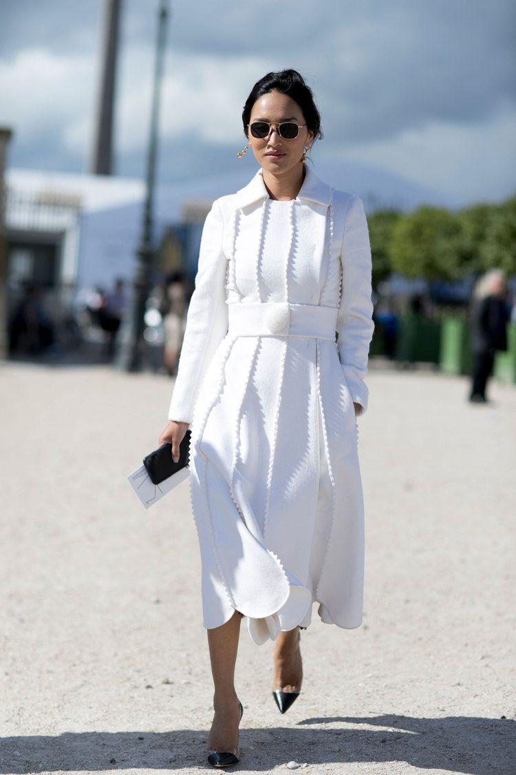 белое платье миди с длинными рукавами