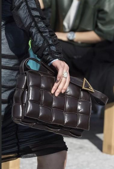сумка с квадратной стежкой - модные сумки осень 2020